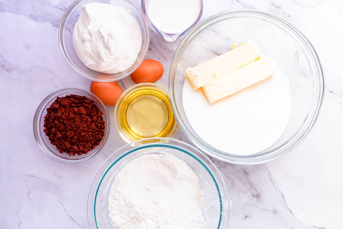 sour cream chocolate cake ingredients
