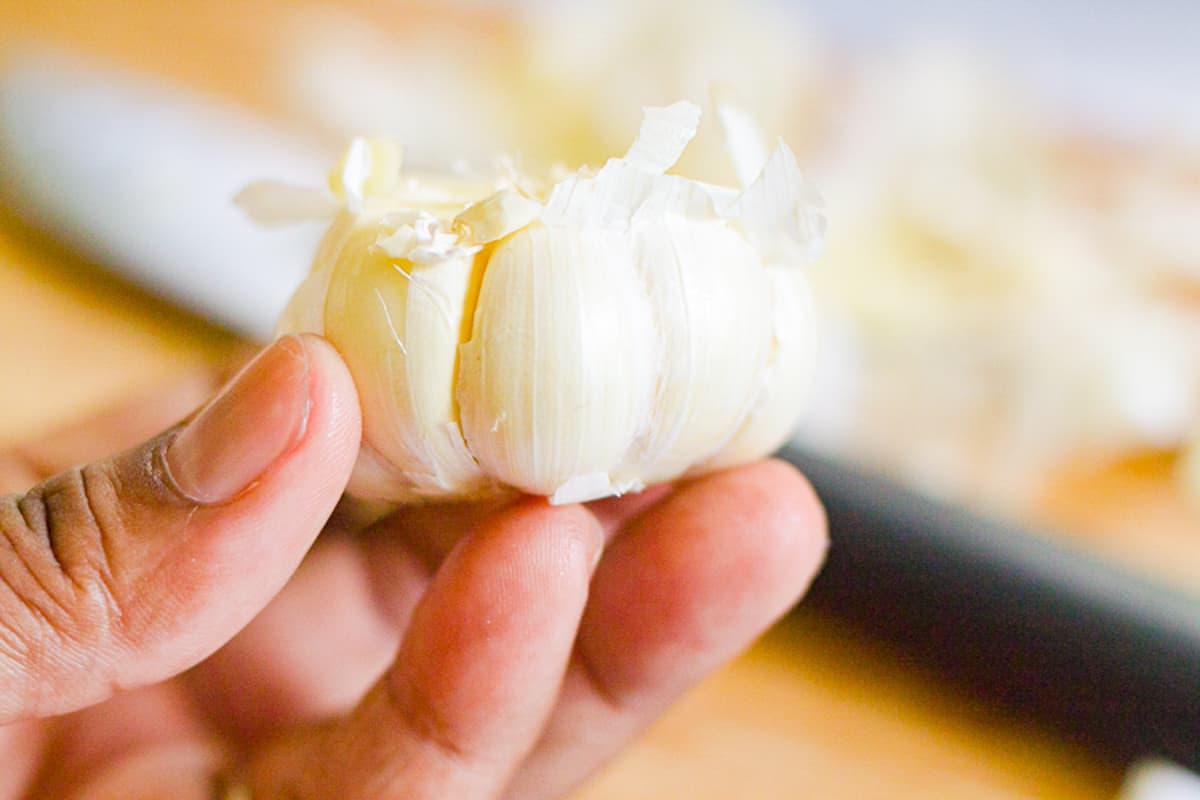 preparing garlic for roasting
