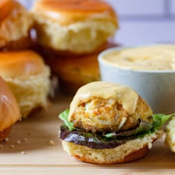 crab cake slider on a bun