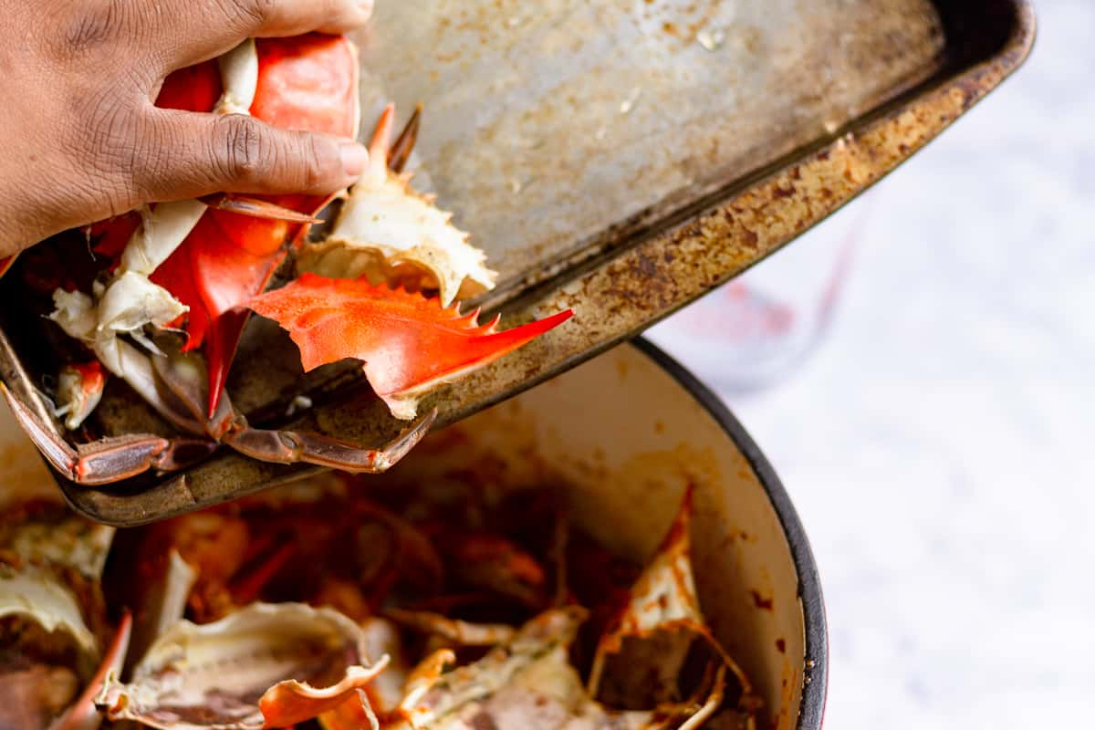 layering crab shells in the pot