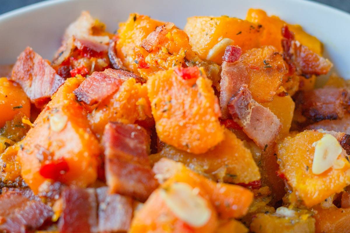 close up of garlicky bacon squash
