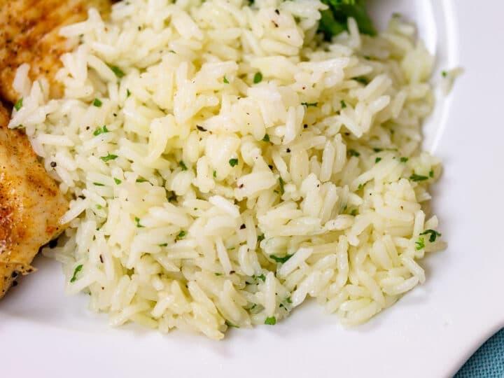 Plated seasoned white rice