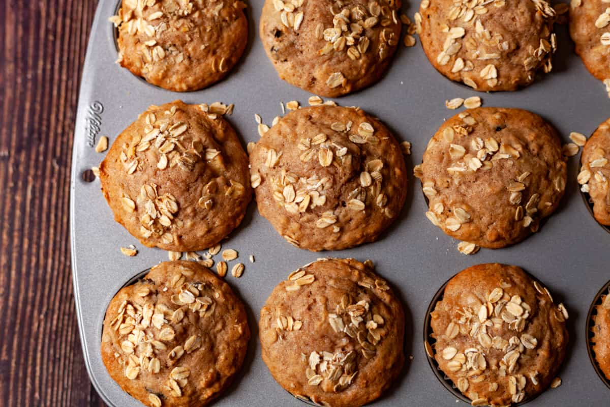 baked apple oat muffins