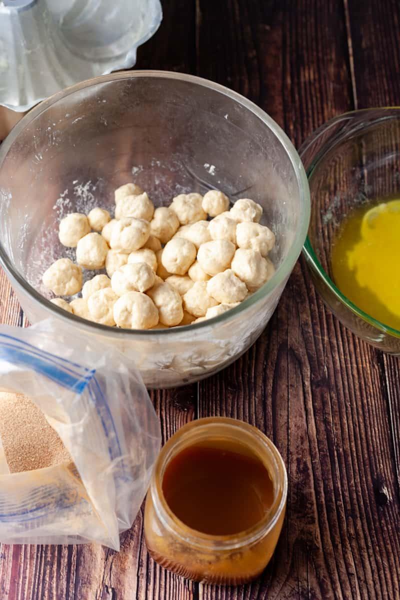caramel monkey bread ingredients