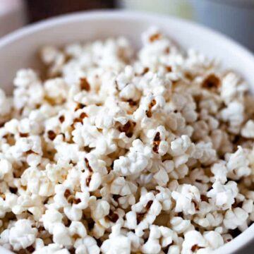 crispy popcorn in a bowl