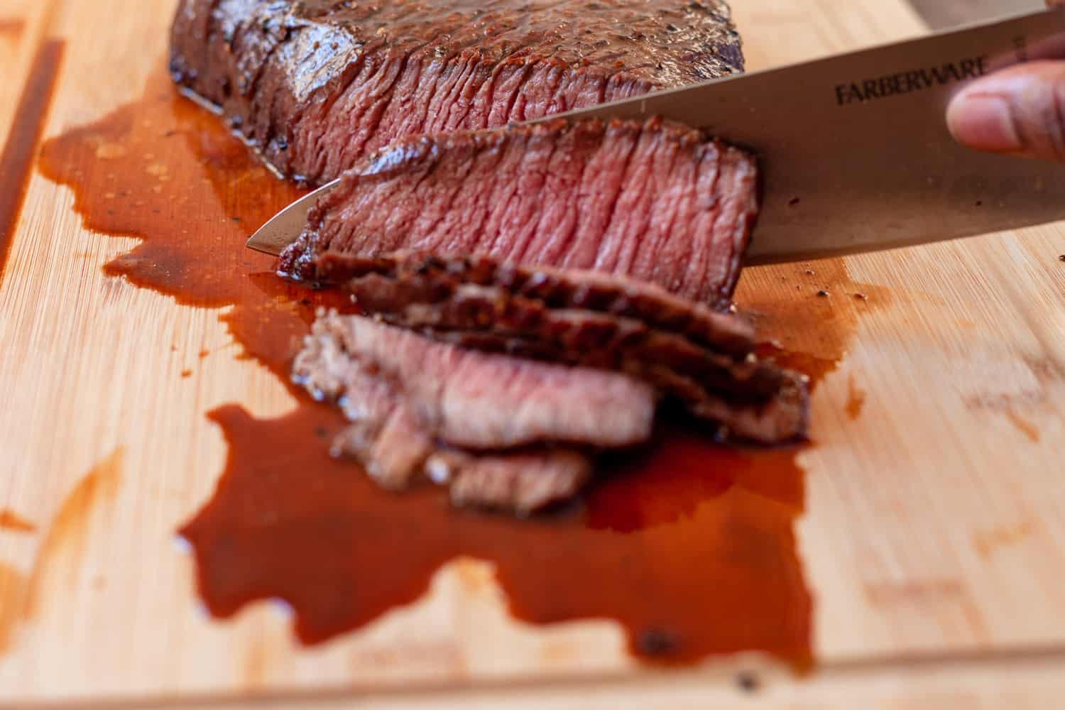 slicing the roast against the grain