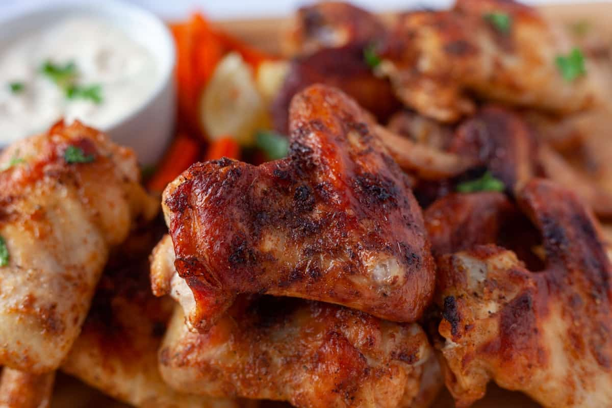creole wing close up