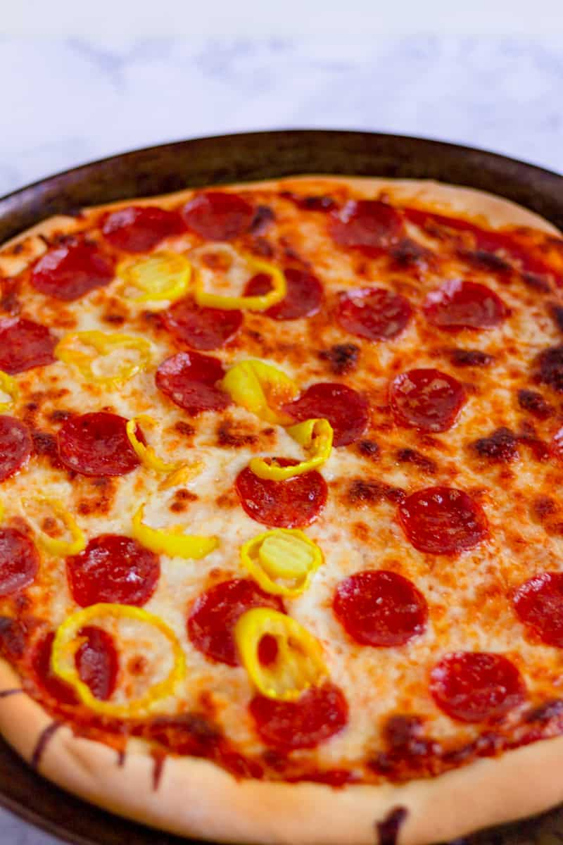 banana pepper and pepperoni pizza