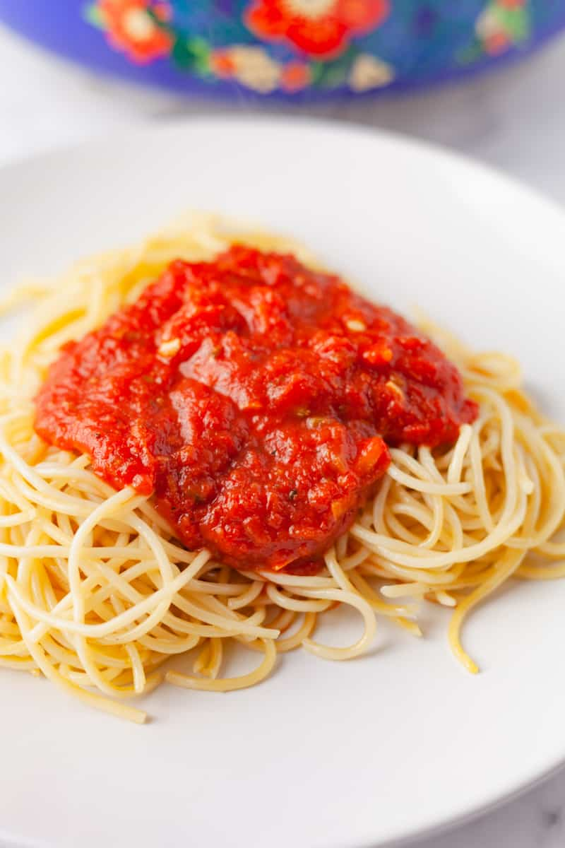 marinara sauce over spaghetti